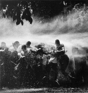 firehoses-used-on-Birmingham-protesters_1963